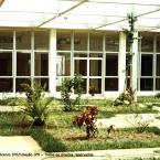 Jardim interno da Associação Instrutora da Juventude Feminina.