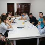 Os grupos se preparam para apresentar os trabalhos
